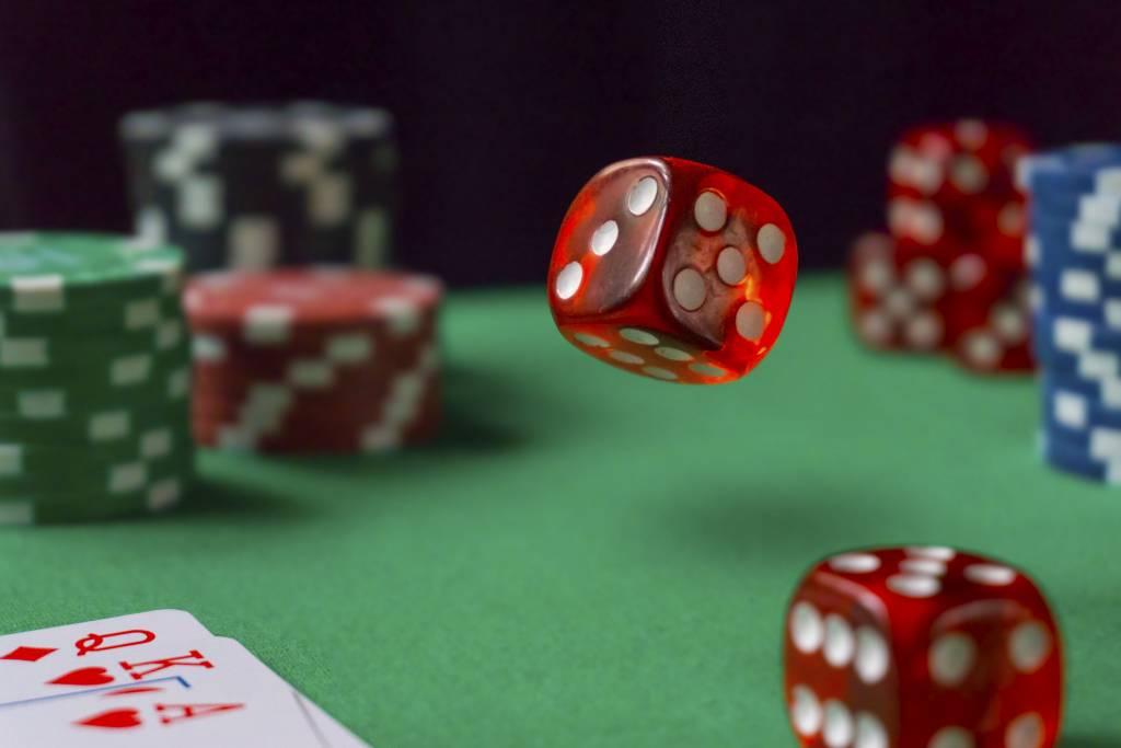 Pelajari Cara Bermain Poker Online dan Menang